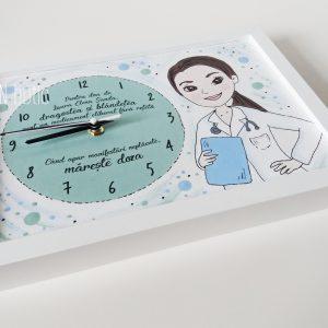 Ceas medic personalizat cu mesaj pictat manual handmade