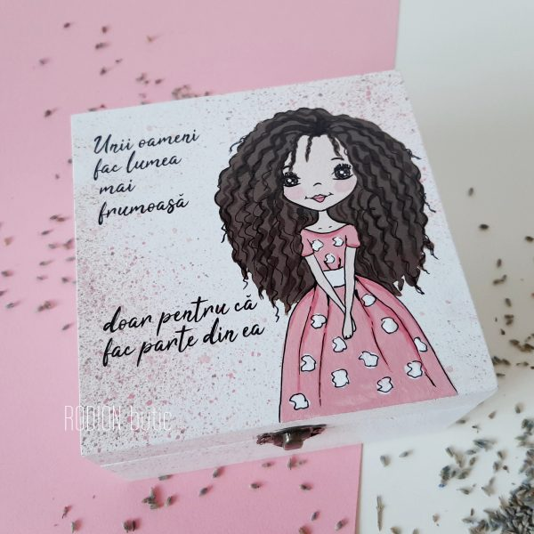 Cutie fetita pictata manual handmade personalizata cu nume