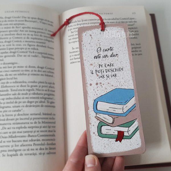 Semn de carte pictat manual personalizat cu mesaj carti