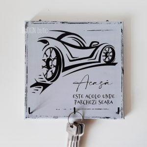 Cuier de chei cu masina pictat manual handmade cadou pentru el