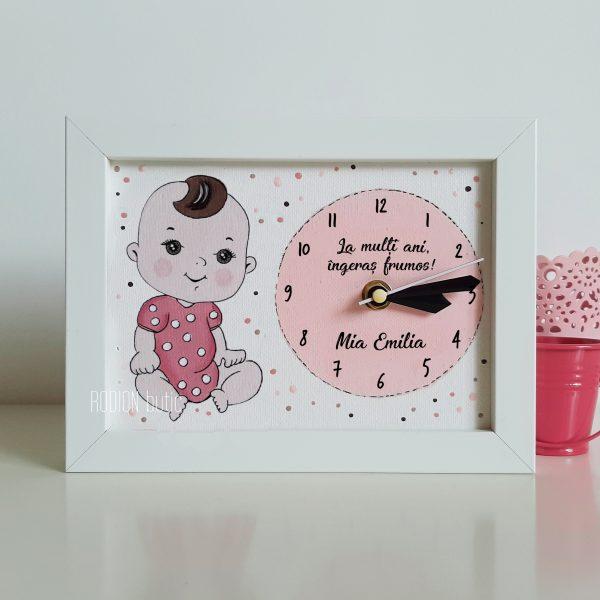 Ceas pentru fetita pictat manual personalizat cu nume si mesaj