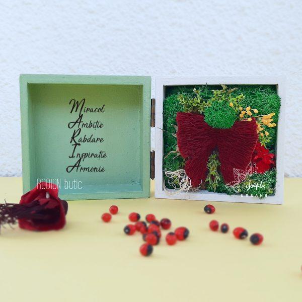Miniaranjament flori si licheni cadou onomastica personalizat cu nume