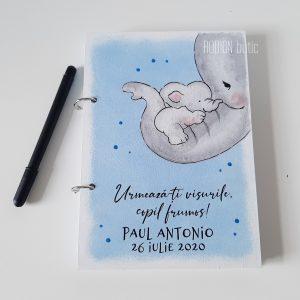 Caiet pentru amintiri baietel personalizat cu nume pictat manual