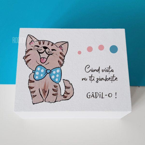 Cutie lemn pictata manual pisicuta personalizata cu mesaj