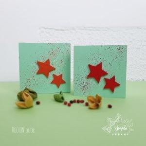 Aranjament cu flori nemuritoare si licheni personalizat in cutie de lemn