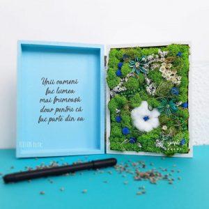 Aranjament cu licheni si floare de bumbac personalizat cu text